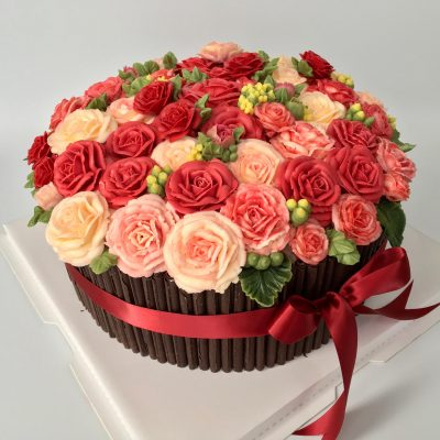 Buttercream Flower and Chocolate Cake